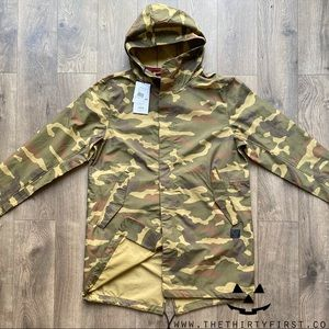 NWT Herschel Supply Co. Camo Fishtail Parka
